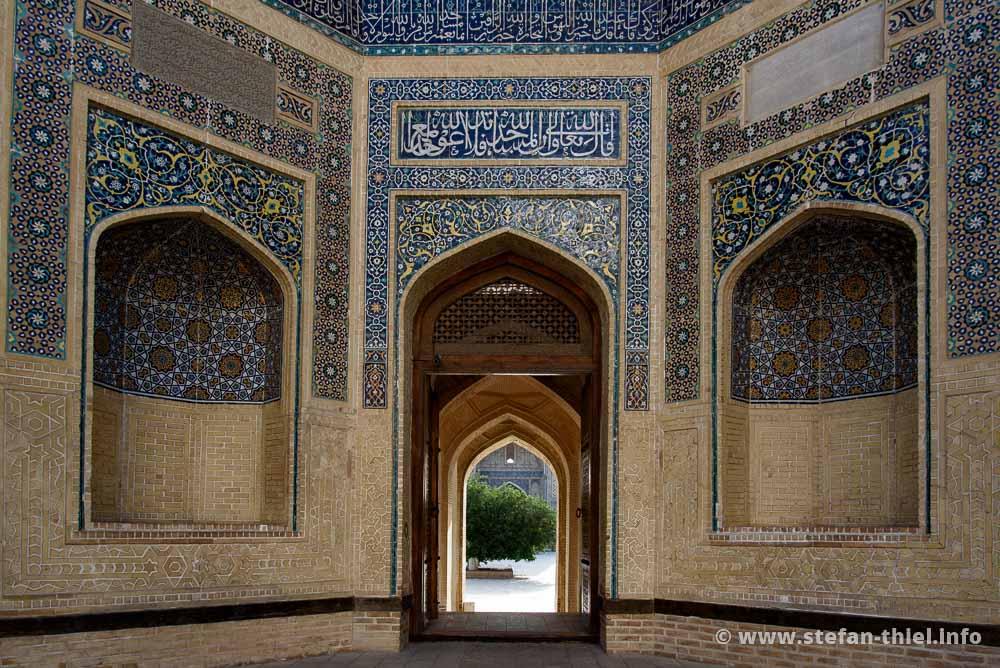 Eingang zur Kalyan Moschee, Buchara