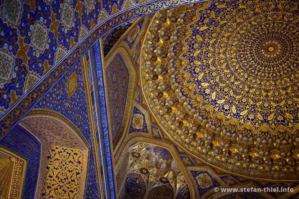 Decke der Tilya-Kori-Madrasa, Samarkand