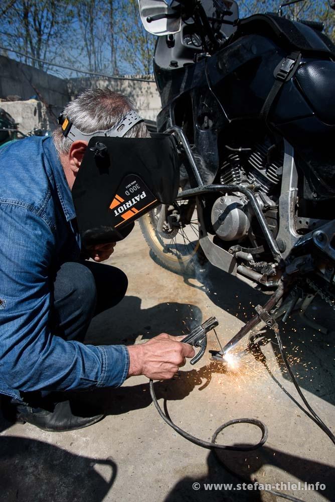 Dank eines alten Bremsbelages kann die Transalp auch wieder richtig füßeln