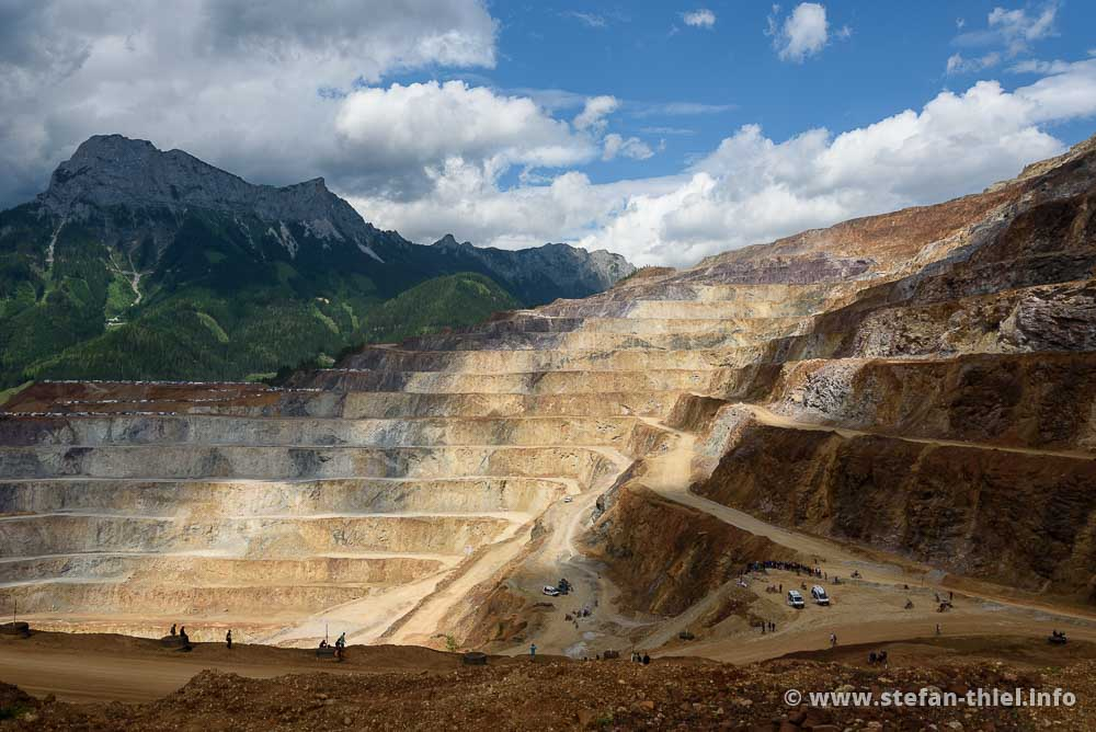 Erzbergrodeo 2017: Spielplatz für Stollenartisten im größten Tagebau Mitteleuropas